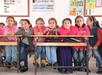 Sınır köylerindeki çocukları sevindirdik